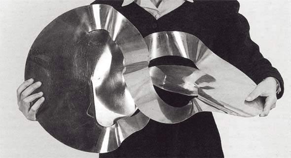 Lygia+Clark+-+O+dentro+e+o+fora+-+1963